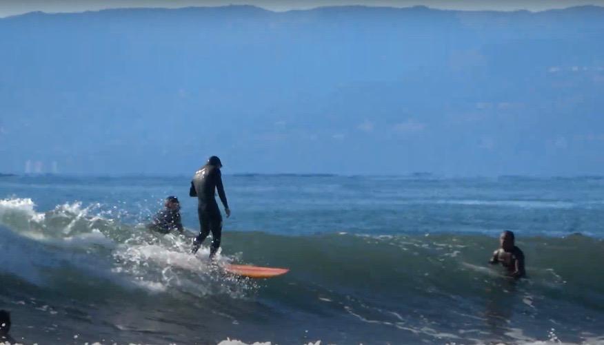 真冬の鵠沼海岸 ミッドレングスツインフィン『DEADKOOKS - APHEX 6'10″』中村光貴サーフィン映像