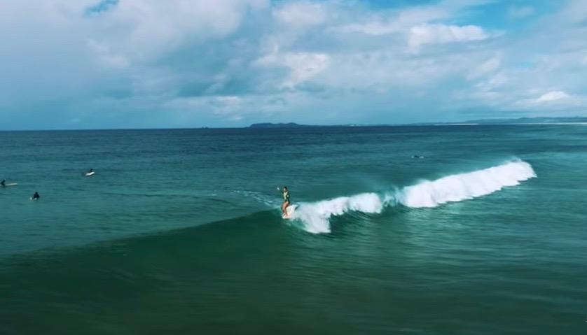 オーストラリアの極上波と美しい大自然を舞台にしたサーフフィルム