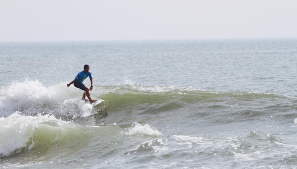 サーフィン ターン2