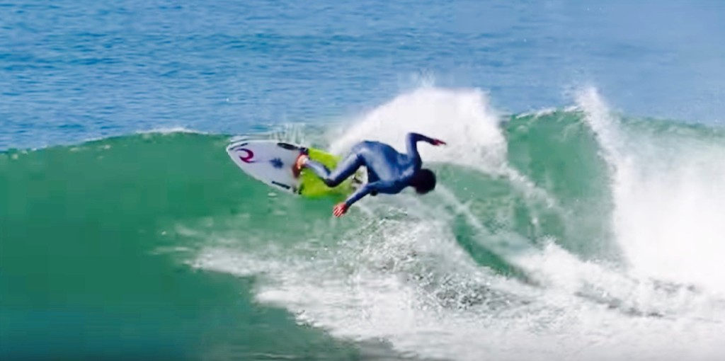 サーフィン 稲葉レオ バックハンド3