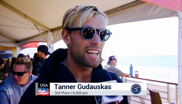 元CTエリート・サーファーの「タナ―・ガダスカス(アメリカ合衆国)」。CTビッグ・イベントで堂々の3位に入った。今回の演技は、来シーズンにもCTリクオリファイ(再資格)を大い