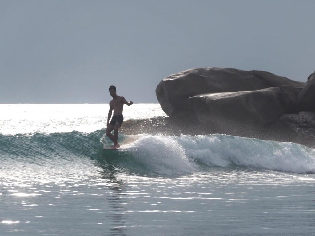 スリランカ サーフィン