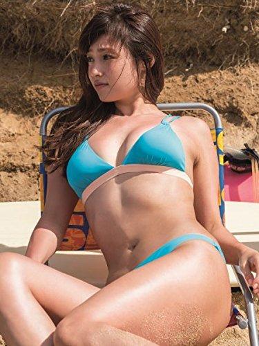 砂浜でセクシーなビキニの深田恭子