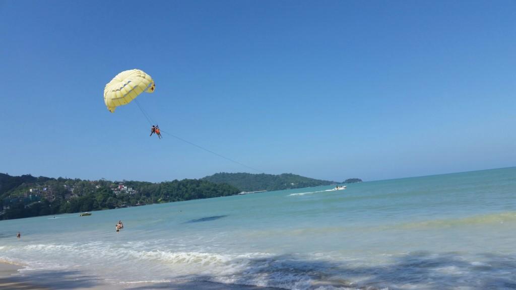 タイ プーケットのサーフィン