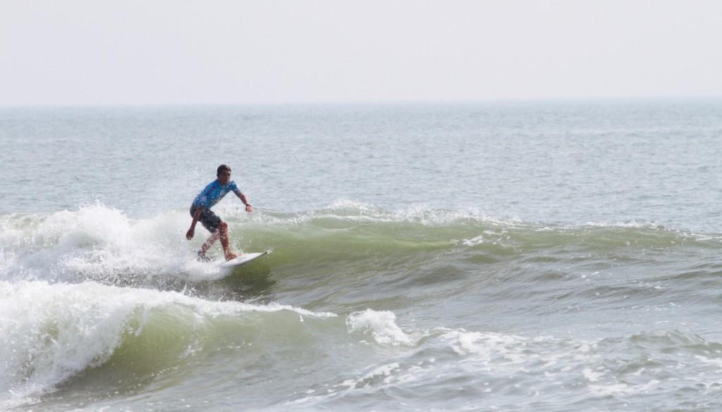 サーフィン ターン1