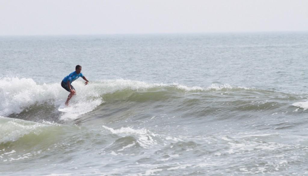 サーフィン ターン4