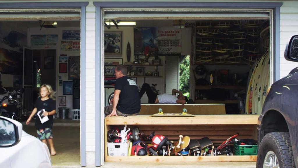 輝かしい時へタイムススリップ あの頃のアンディ・アイアンズのガレージが公開