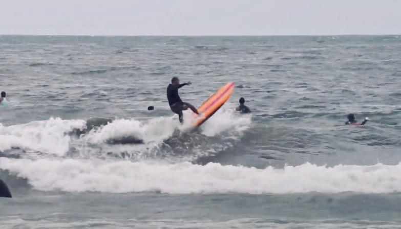 中村光貴のオンショアサーフィン映像 『DEADKOOKS - APHEX 6'10″』