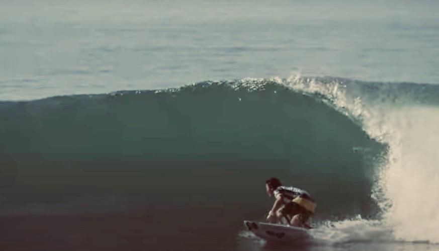 一番のサーフィン上達の近道「ボトムターンを制するものは波を制す」田中英義プロが重要性を解説