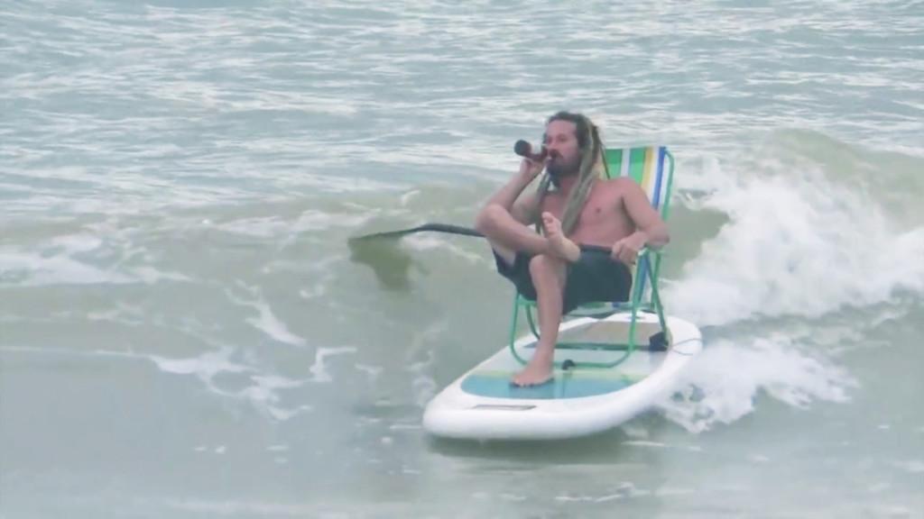 【SUPムービー】海とビールでチルアウト!