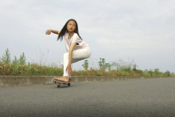 【サーフスケートを使った陸トレHow to】フロントサイドカーヴィングターン編