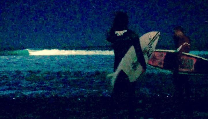 ナイトサーフィン