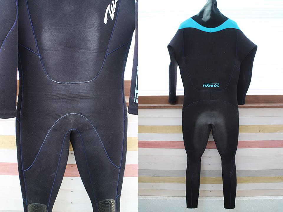 サーフィン用tuttoのウェットスーツ