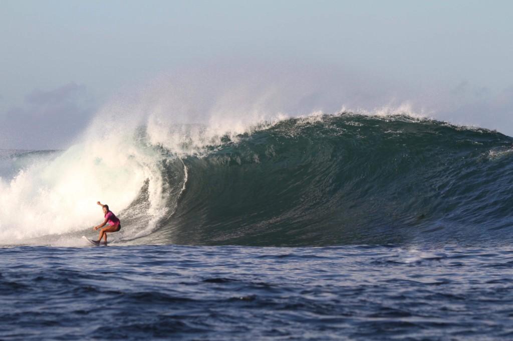 レイキーピークの波が好き!スンバワ島で暮らす日本人女性サーファーAYA ②ビッグウェーブとチューブの波が好き!スンバワ島で暮らす日本人女性サーファーAYA