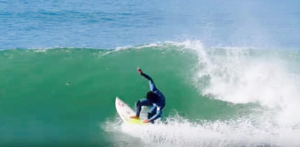 サーフィン 稲葉レオ バックハンド2