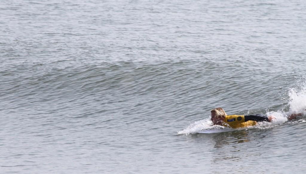 サーフィンパドルからテイクオフ2