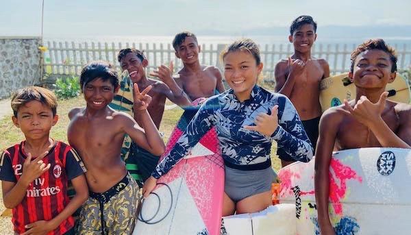 自らの手でスンバワ島にスケートパークを作り始めた子供達。夢を叶えたいと願う女子中学生の挑戦