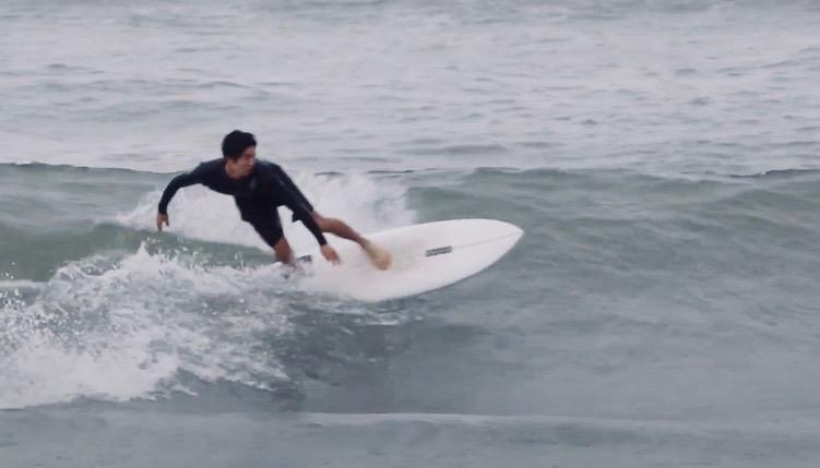 小林直海のサーフィン映像
