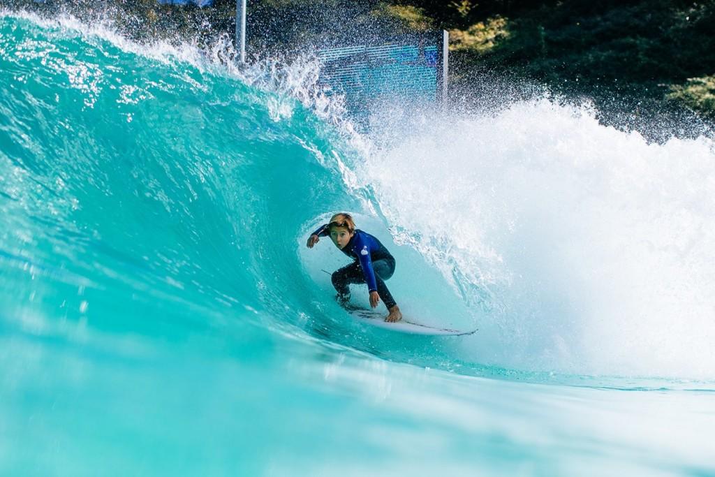 人工波サーフィン