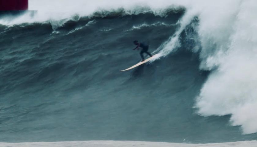 2020年日本最大!宮崎県の台風14号巨大波に挑むビックウェイバー中迫謙吾44歳密着映像