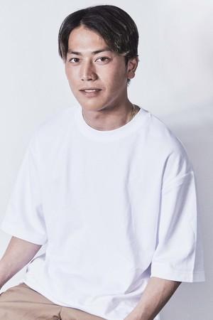 プロサーファー村上舜と(株)ワンテーブル 4月28日〜 大型スポンサー契約締結