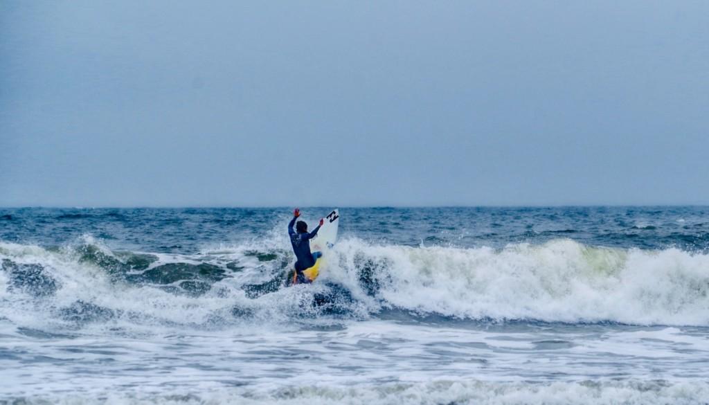 ロックバンド『KEYTALK』とプロサーファー対談&サーフィン体験会