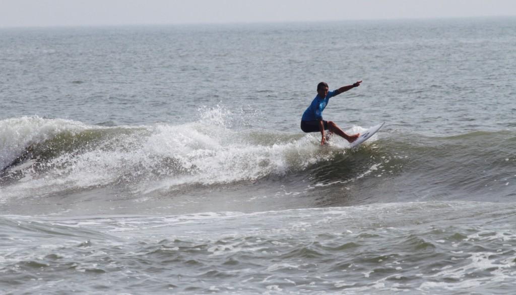サーフィン カットバック1