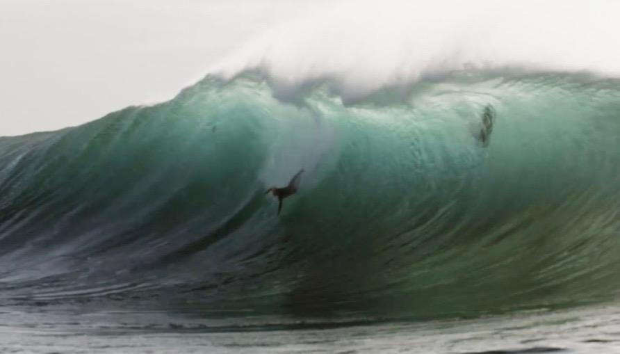 オーストラリアのビッグウェイバー『ラッセル・ビアク』の衝撃ワイプアウト