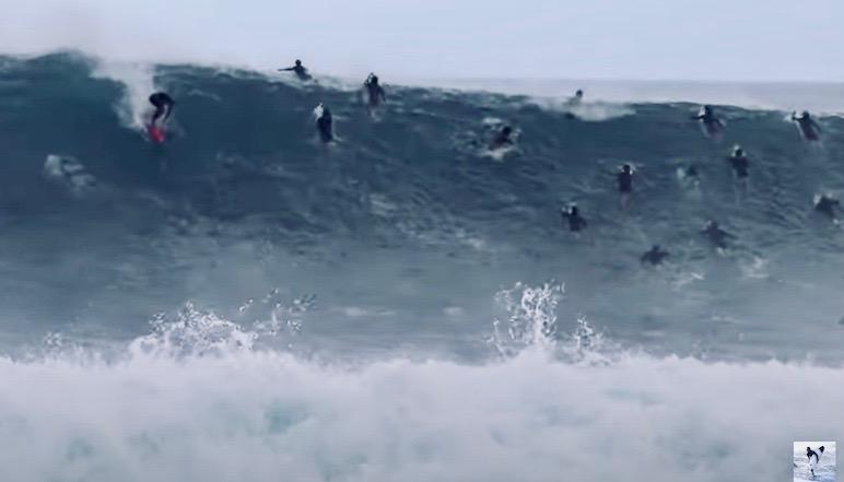 河村海沙と安室丈が大混雑、初のパイプラインへ!8-19ft巨大波サーフィン映像