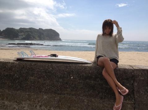 hujisakinanako_surfing
