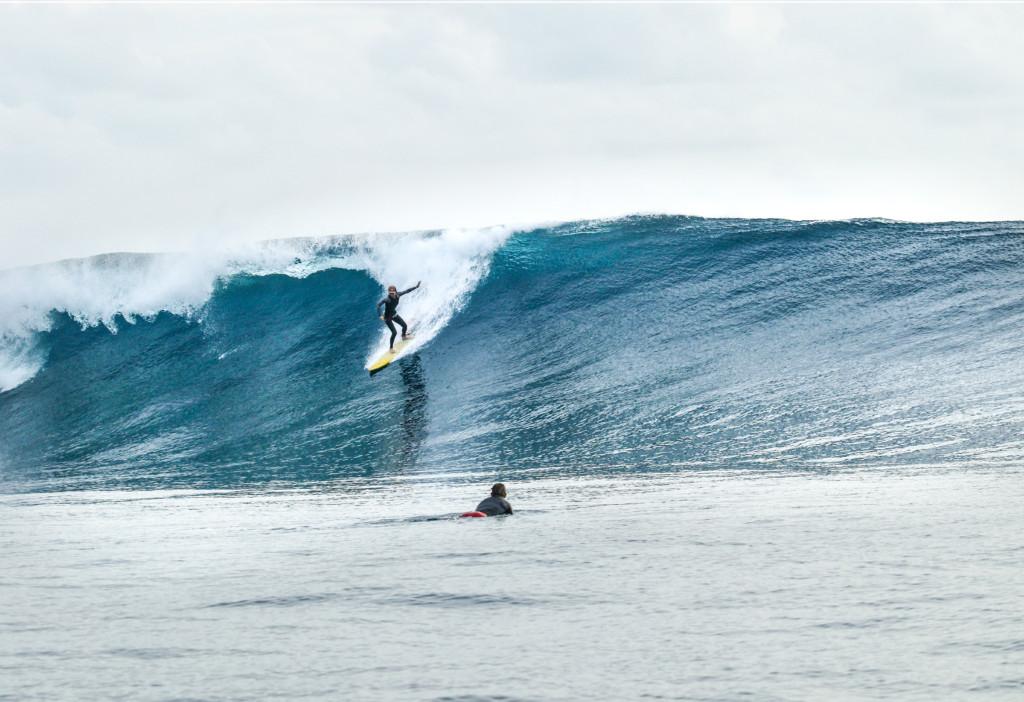 インドネシアの波